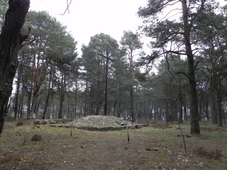 2011-04-17 Inowłódz - cm. z I wojny światowej (45)