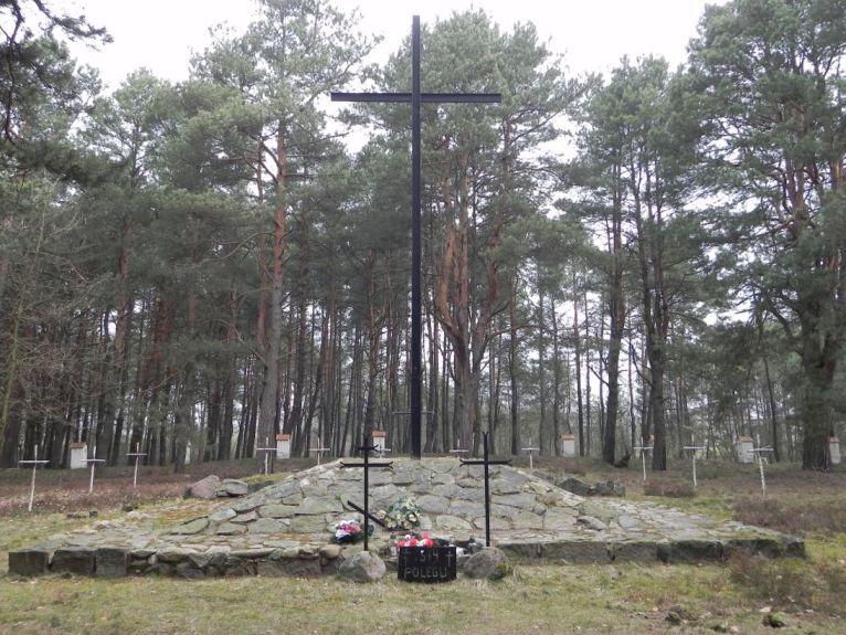 2011-04-17 Inowłódz - cm. z I wojny światowej (47)