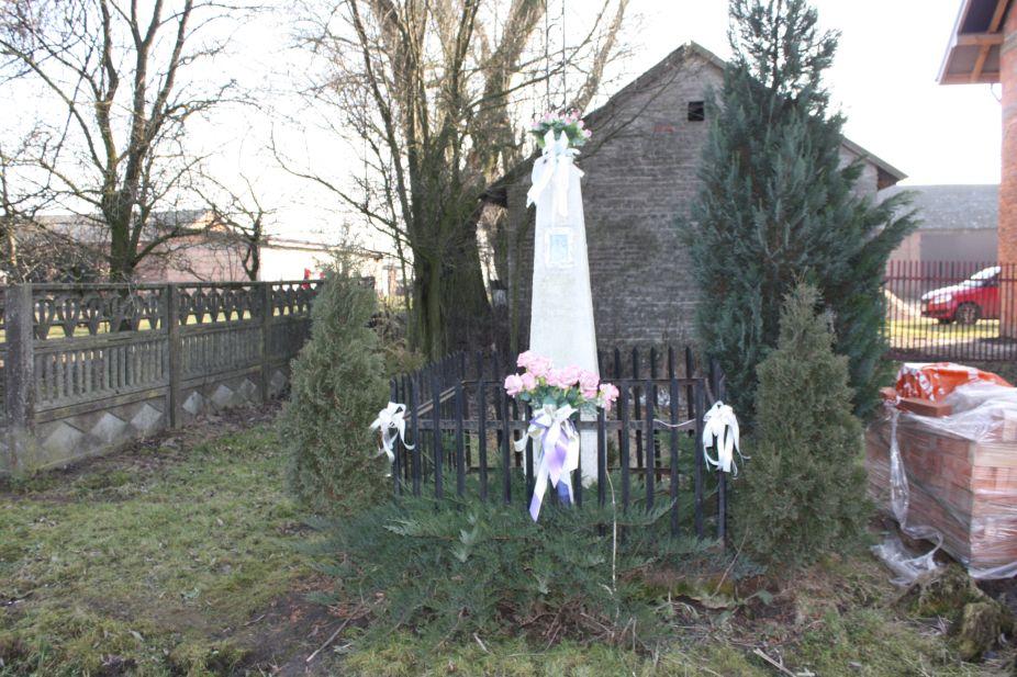 2019-02-18 Skoczykłody kapliczka nr3 (1)