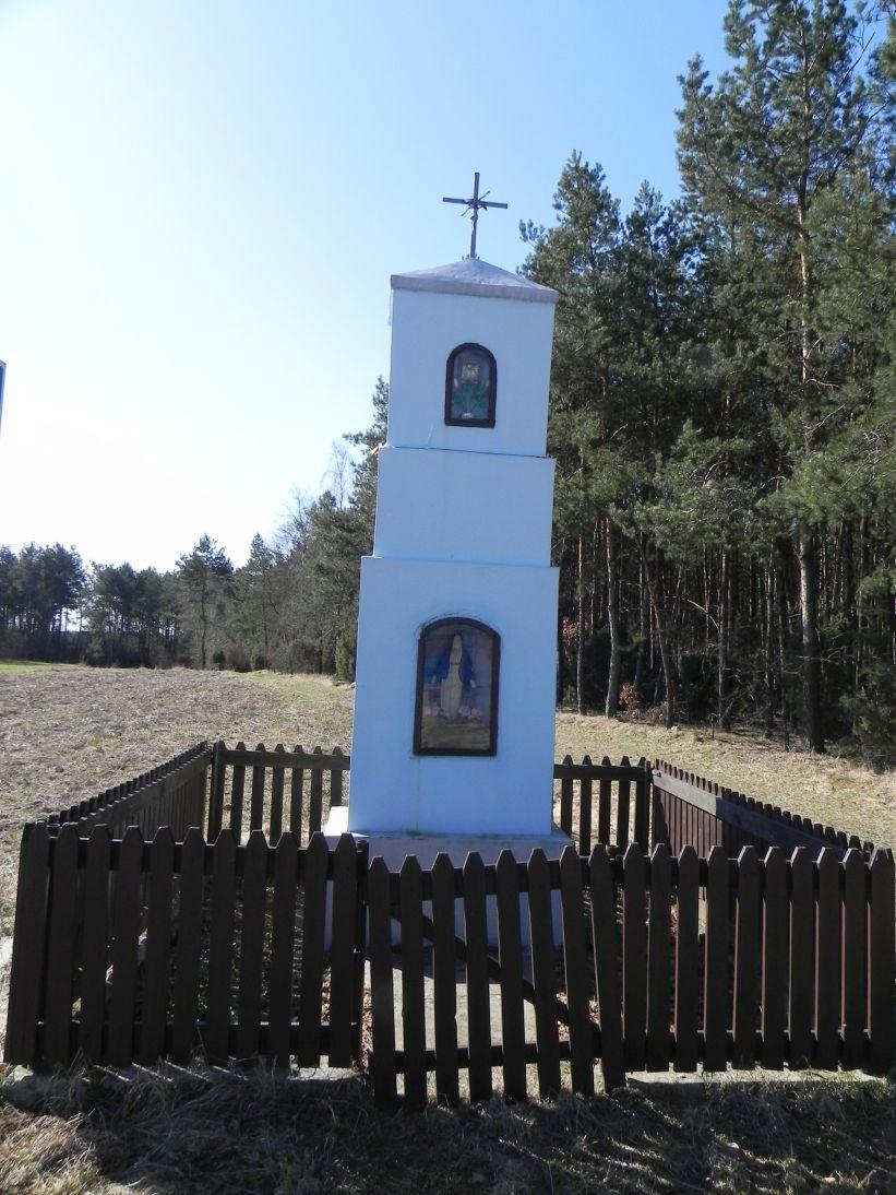 2012-04-09 Stanisławów - kapliczka nr1 (5)