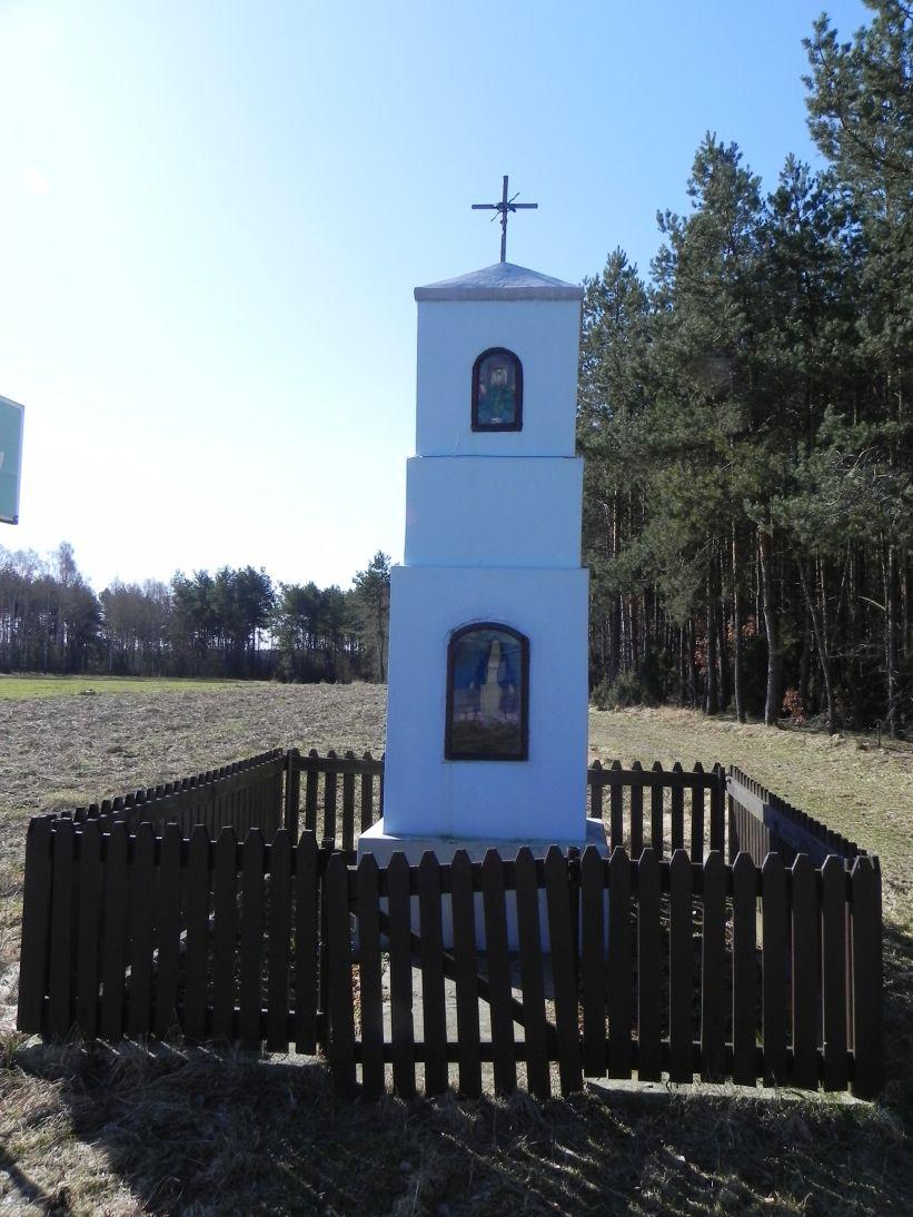 2012-04-09 Stanisławów - kapliczka nr1 (6)