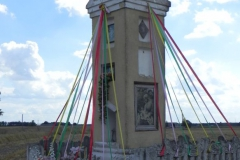 2013-08-14 Stanisławów Lipski kapliczka nr1 (1)