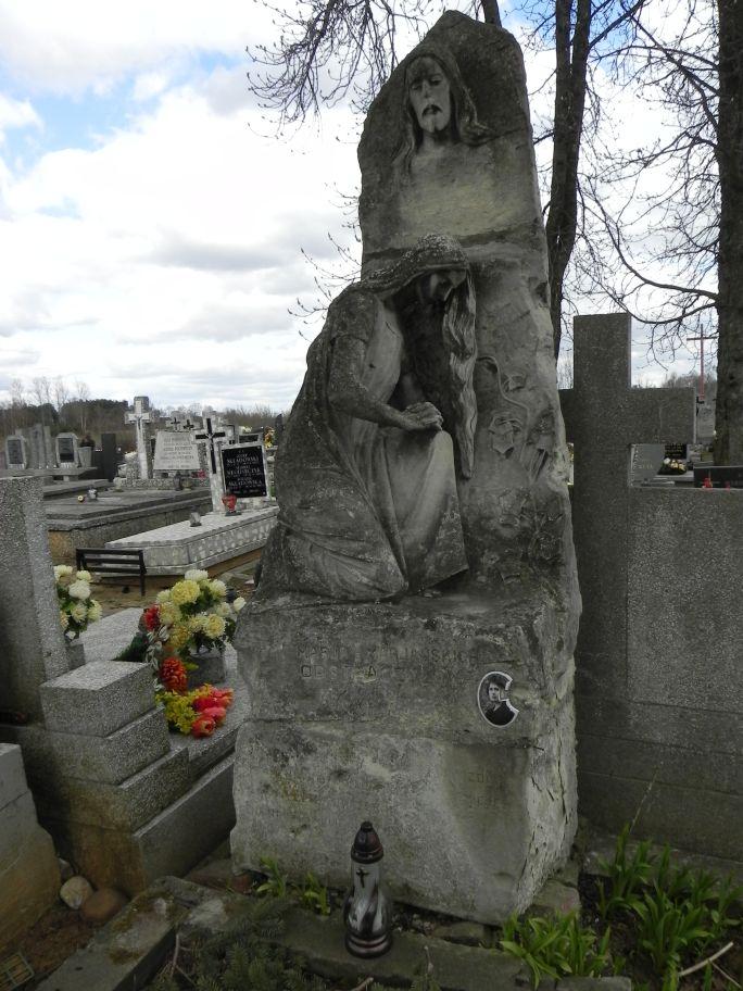 2011-04-10 Inowłódz - cmentarz parafialny (1)