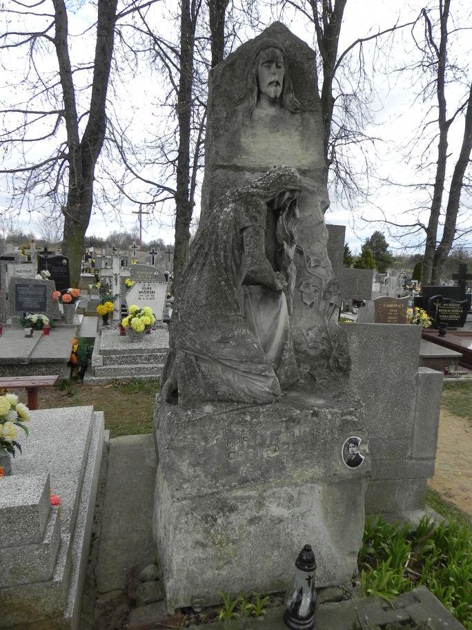 2011-04-10 Inowłódz - cmentarz parafialny (2)