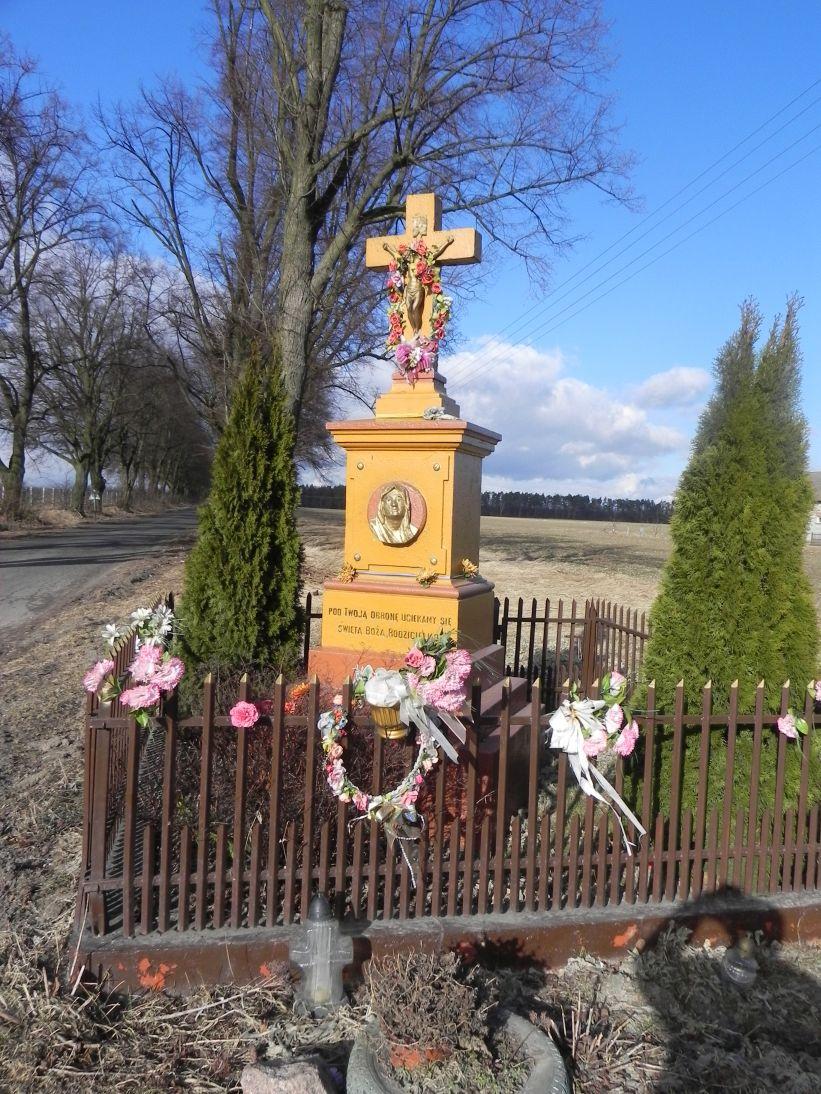 2011-03-06 Stolniki kapliczka nr1 (1)