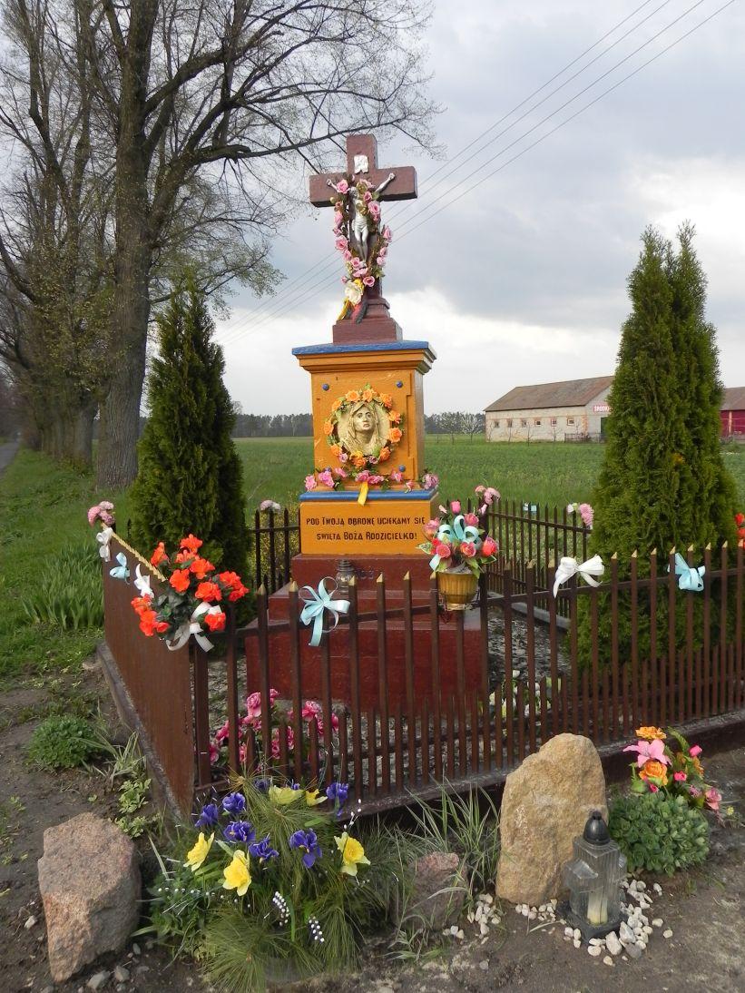 2011-04-25 Stolniki kapliczka nr1 (5)