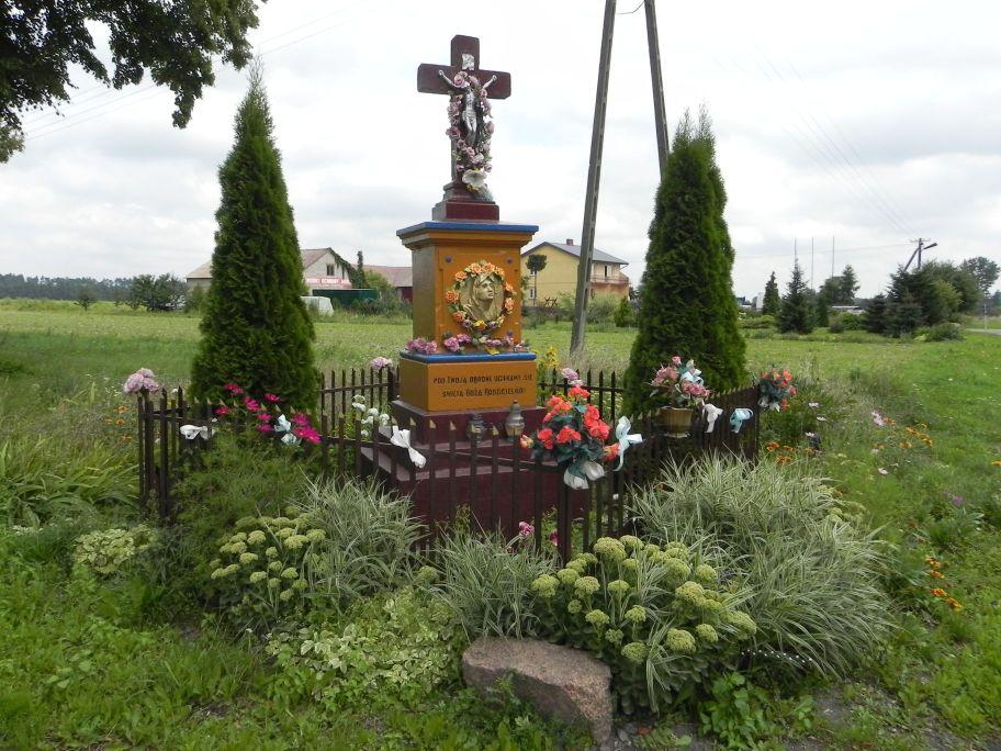 2011-08-15 Stolniki kapliczka nr1 (7)