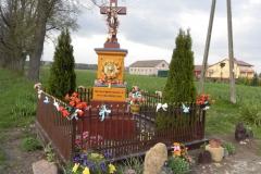 2011-04-25 Stolniki kapliczka nr1 (2)