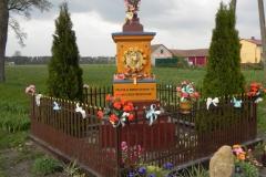 2011-04-25 Stolniki kapliczka nr1 (3)