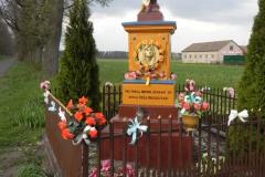 2011-04-25 Stolniki kapliczka nr1 (4)