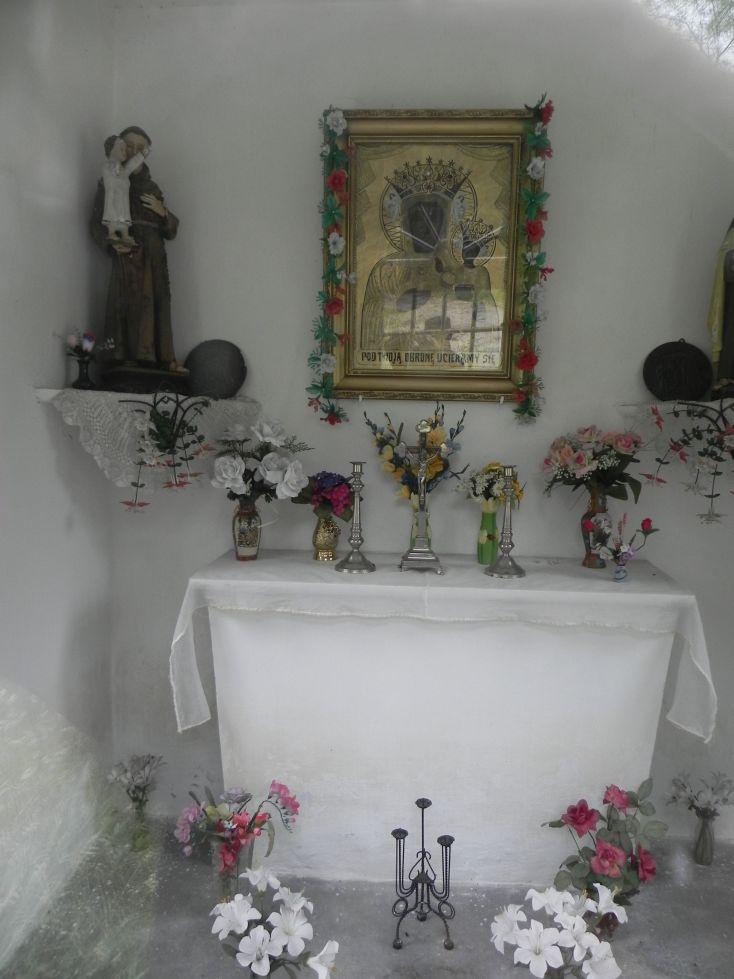 2014-06-15 Studzianki kapliczka nr2 (3)
