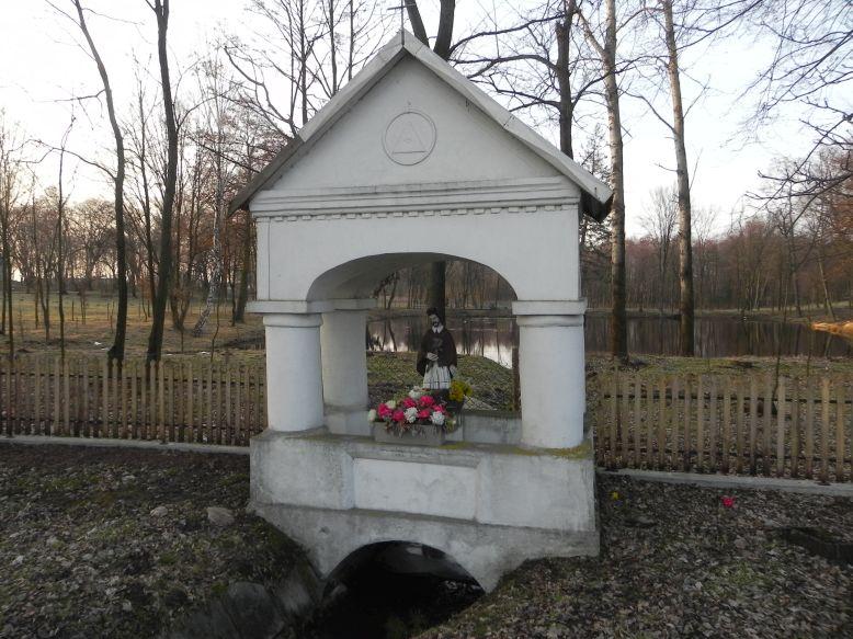 2018-03-25 Studzianki kapliczka nr1 (4)