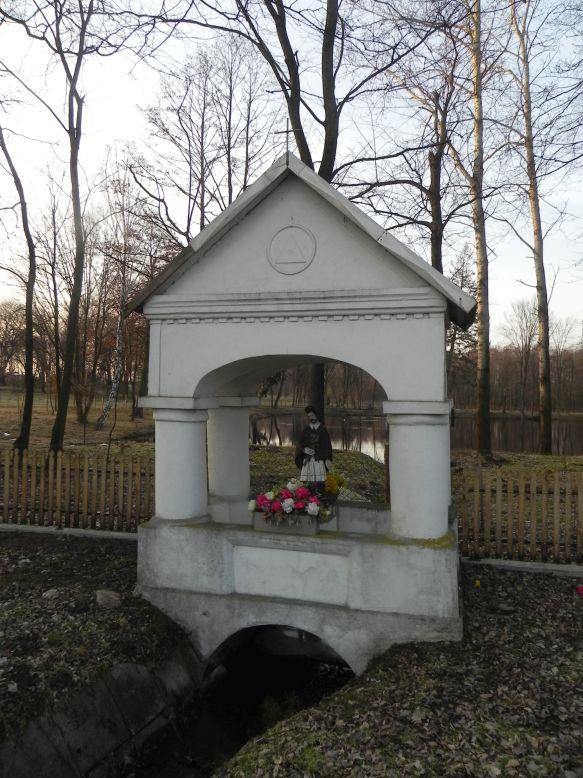 2018-03-25 Studzianki kapliczka nr1 (5)