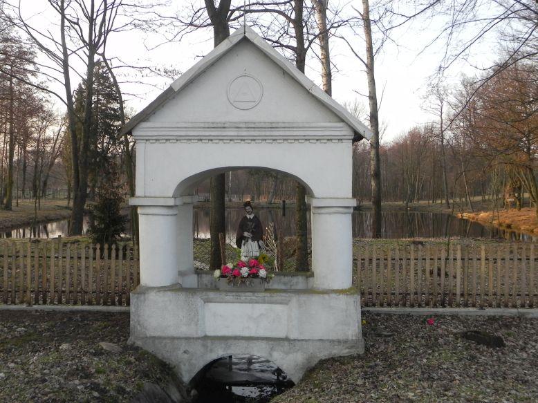2018-03-25 Studzianki kapliczka nr1 (8)