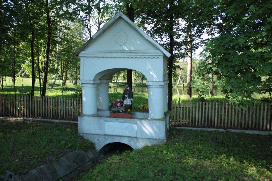2018-05-13 Studzianki kapliczka nr1 (2)