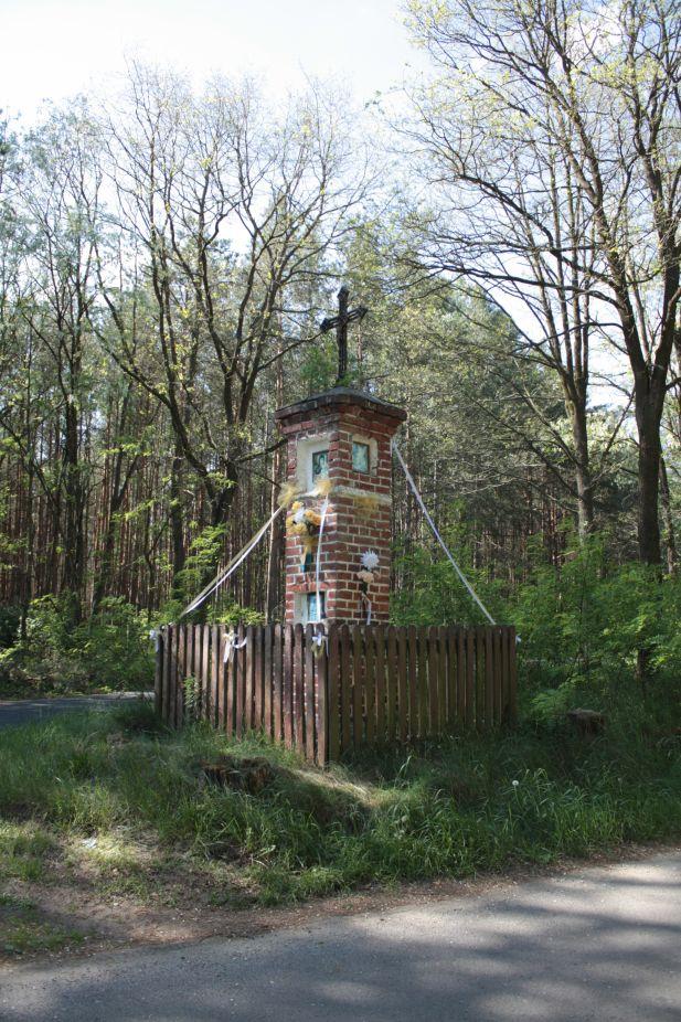 2018-05-13 Studzianki kapliczka nr3 (2)