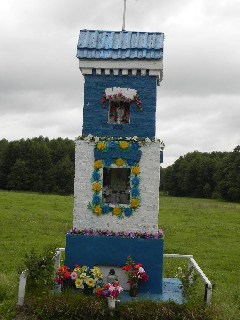 2011-09-09 Świnice kapliczka nr1 (5)