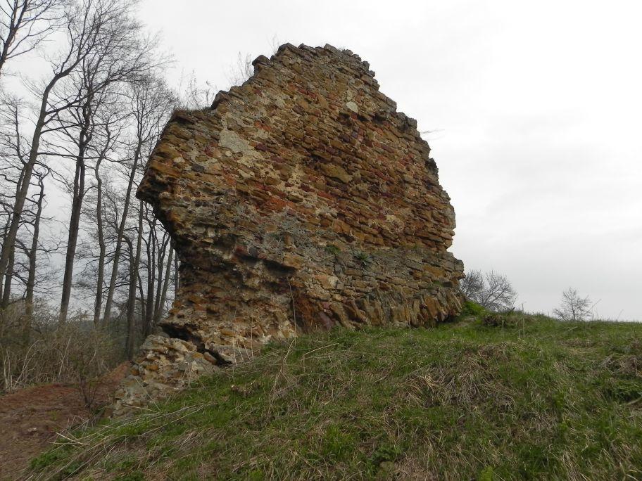 2011-04-17 Inowłódz - ruiny zamku (2)