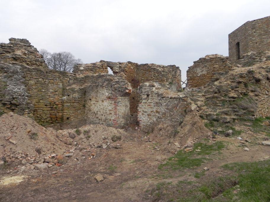 2011-04-17 Inowłódz - ruiny zamku (24)