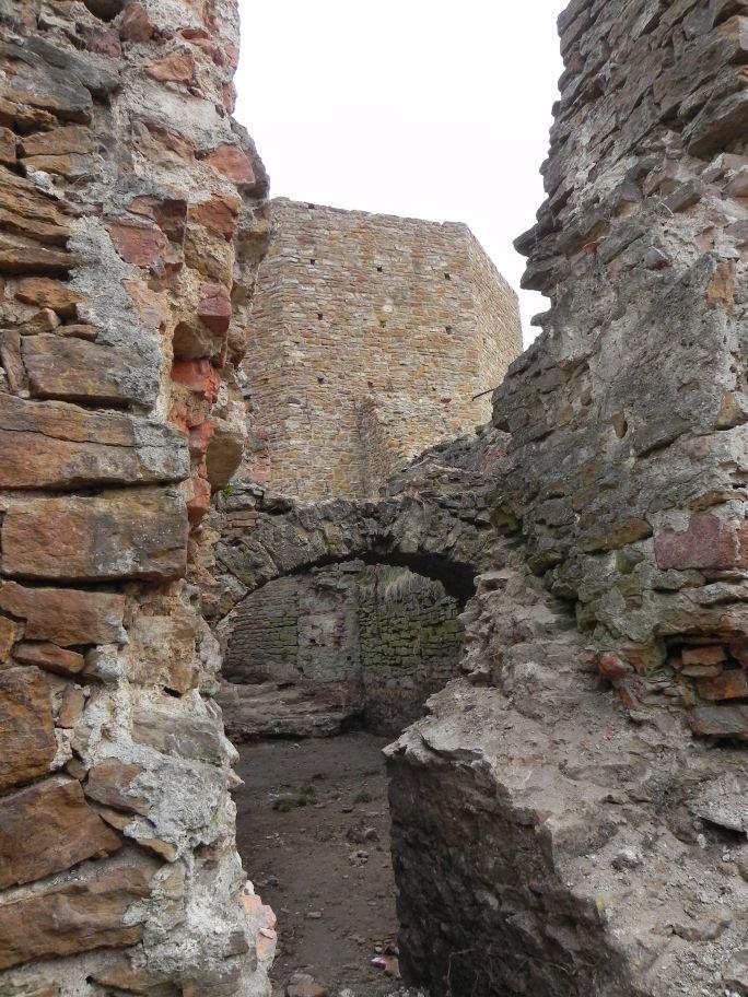 2011-04-17 Inowłódz - ruiny zamku (30)