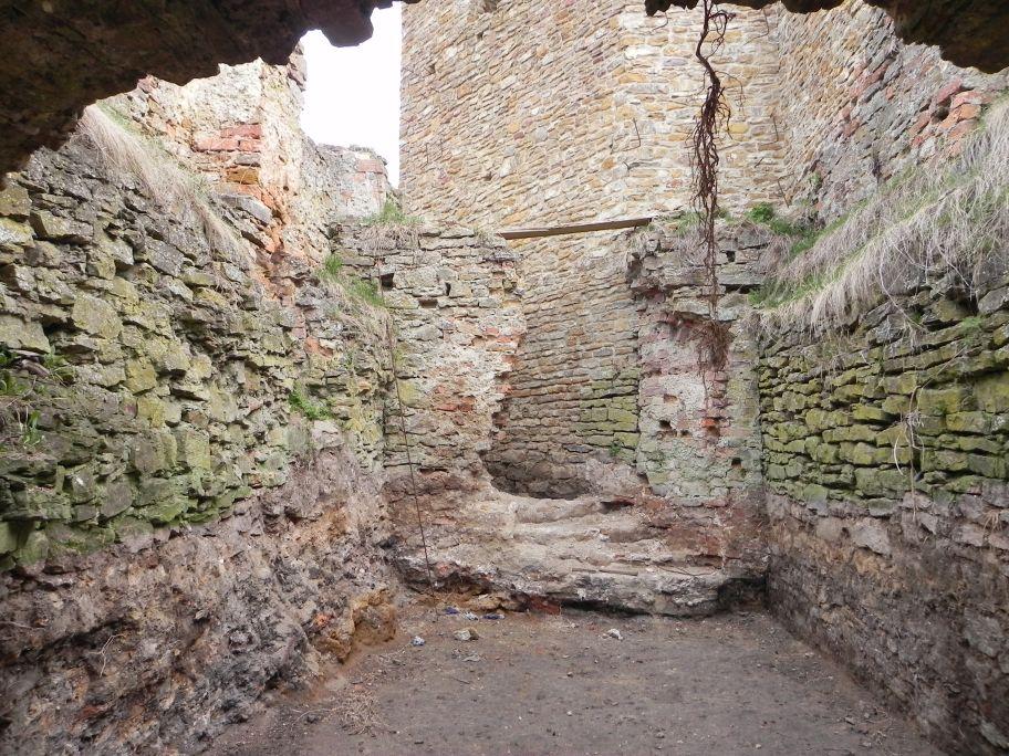 2011-04-17 Inowłódz - ruiny zamku (32)