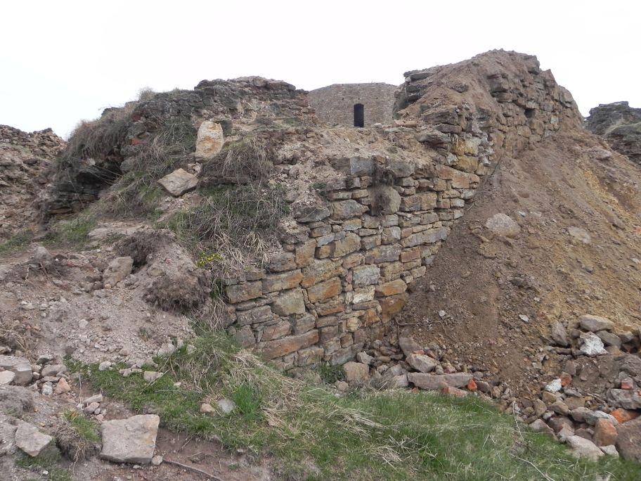2011-04-17 Inowłódz - ruiny zamku (4)