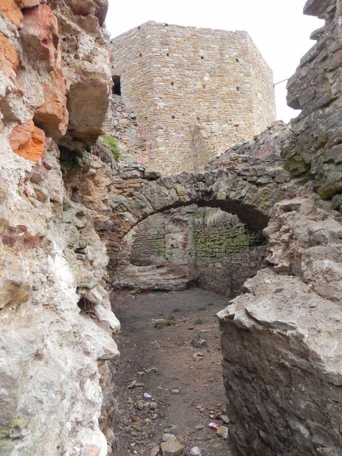 2011-04-17 Inowłódz - ruiny zamku (54)