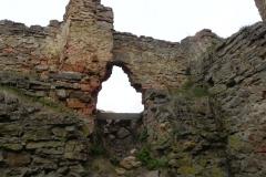 2011-04-17 Inowłódz - ruiny zamku (34)
