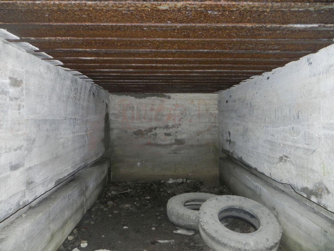 Inowłódz Kop. - bunkier Garaż-1 (13)