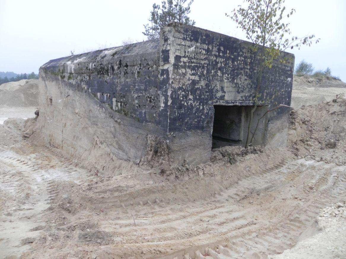 Inowłódz Kop. - bunkier Garaż-1 (30)