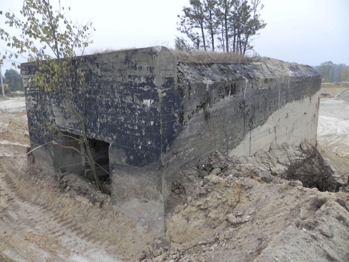 Inowłódz Kop. - bunkier Garaż-1 (36)