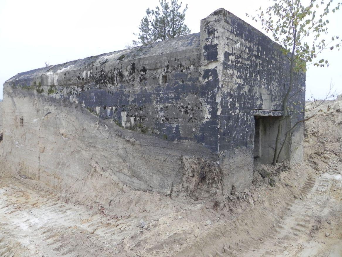 Inowłódz Kop. - bunkier Garaż-1 (46)