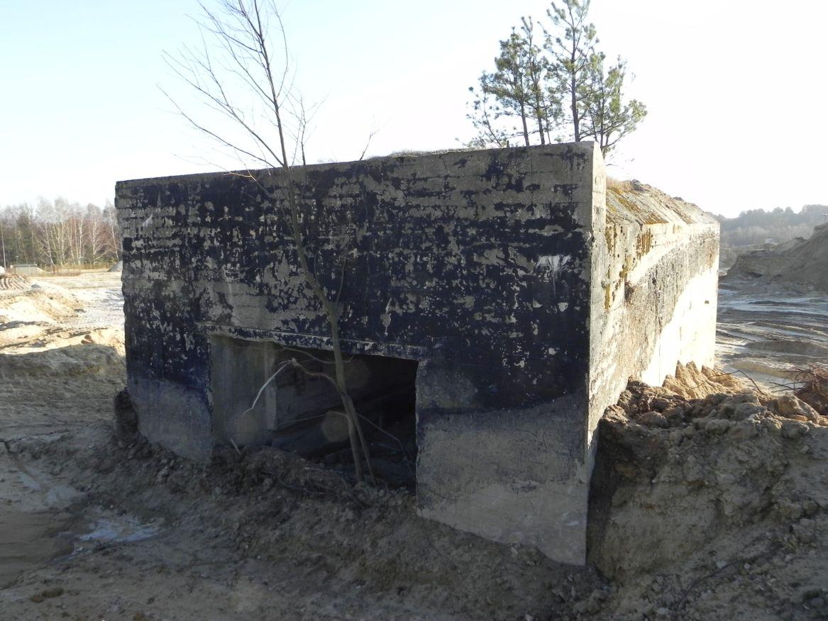Inowłódz Kop. - bunkier Garaż-1 (48)