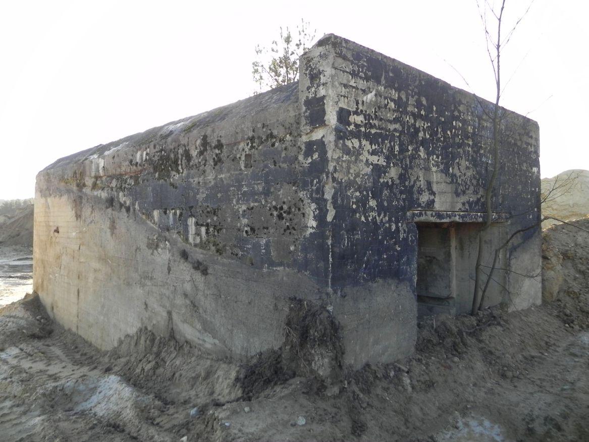 Inowłódz Kop. - bunkier Garaż-1 (56)