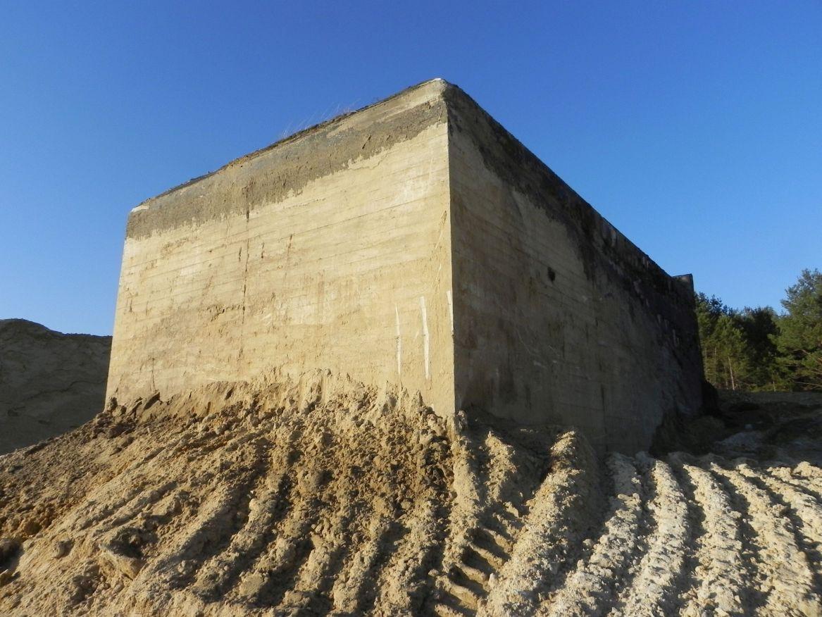 Inowłódz Kop. - bunkier Garaż-1 (57)