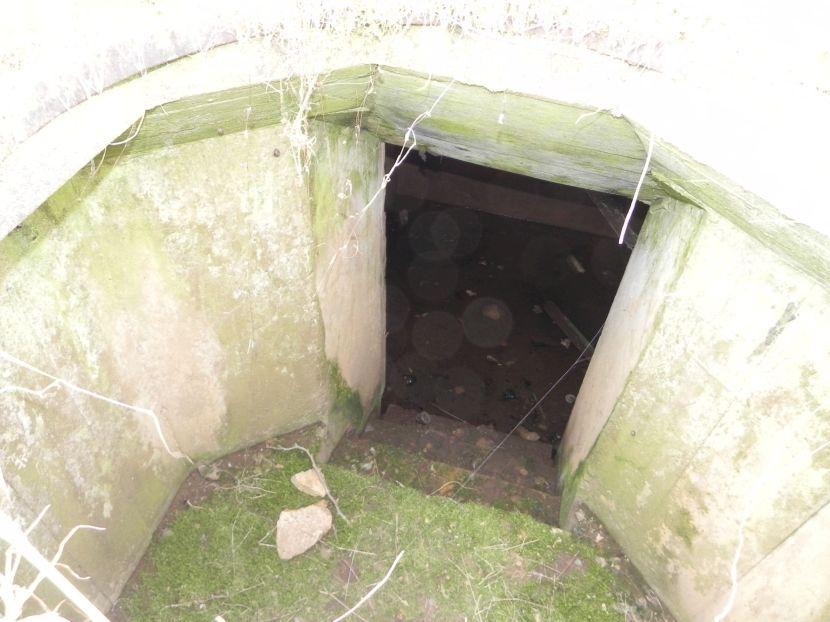Inowłódz Koś - bunkier Tobruk-1 (19)