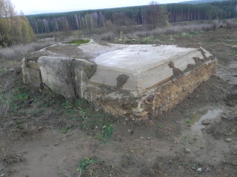 Inowłódz Koś - bunkier Tobruk-1 (2)