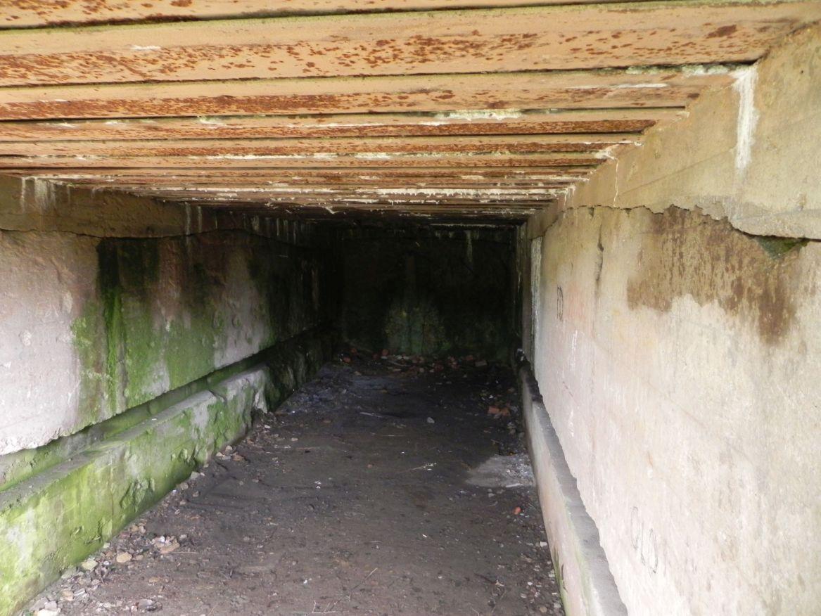 Inowłódz Koś - bunkier Garaż-6 (13)