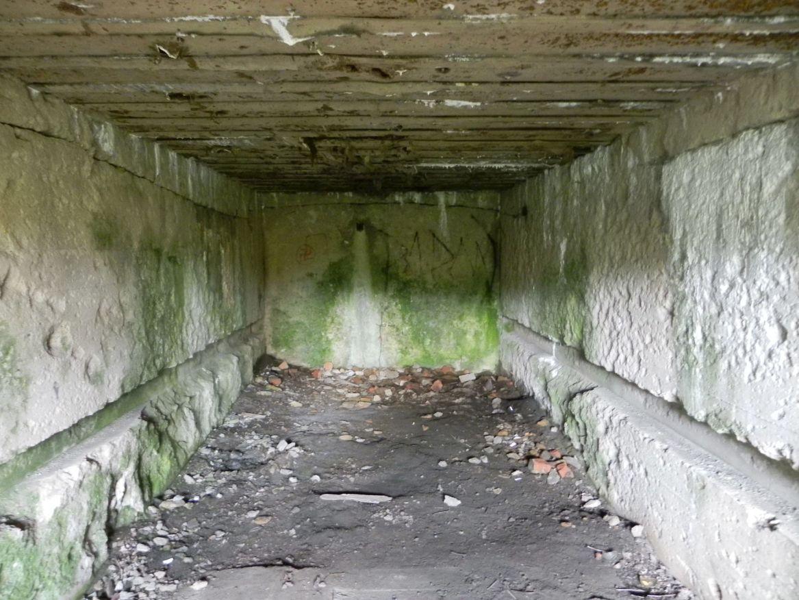 Inowłódz Koś - bunkier Garaż-6 (38)