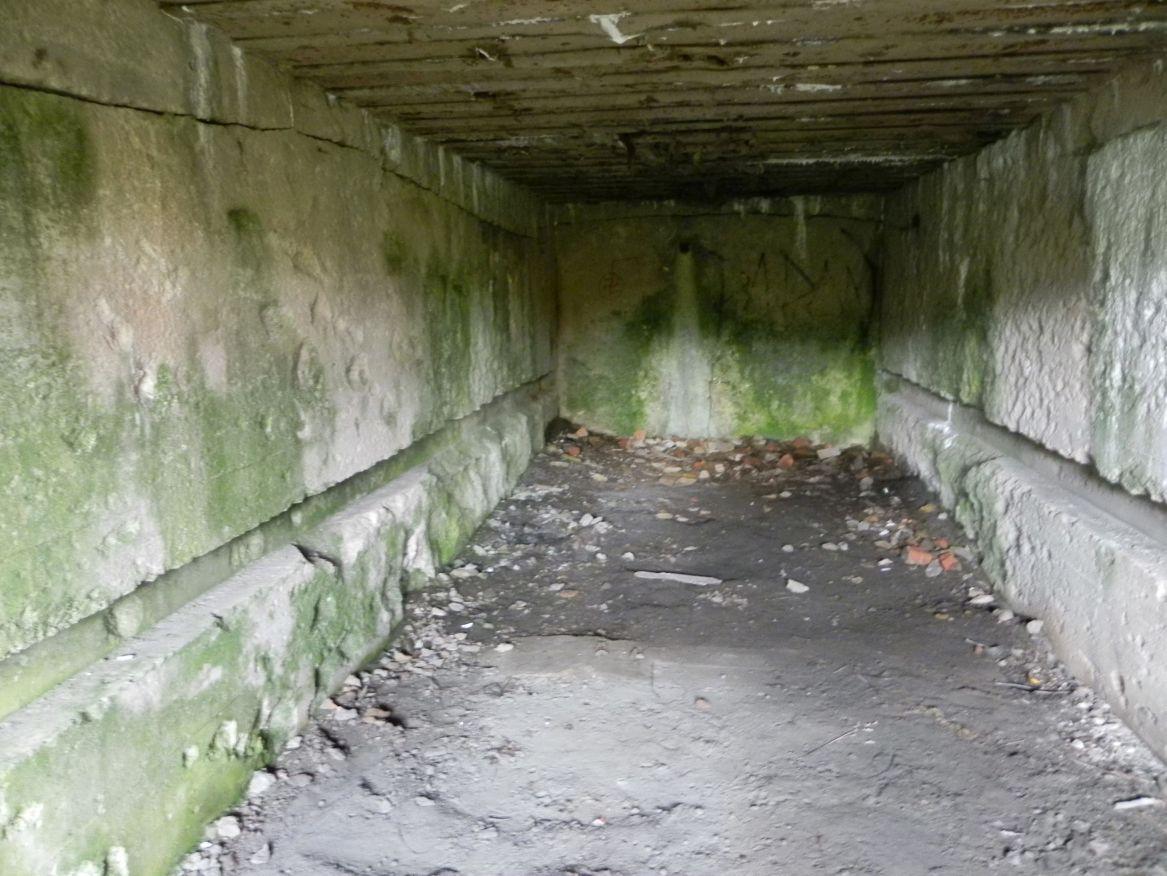 Inowłódz Koś - bunkier Garaż-6 (39)