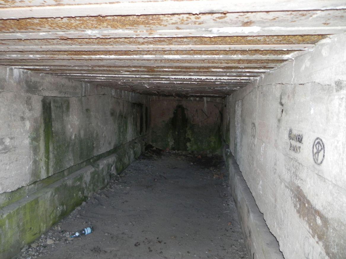 Inowłódz Koś - bunkier Garaż-6 (56)