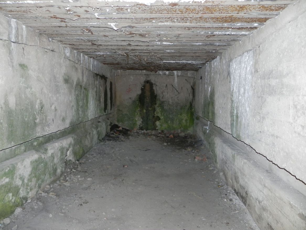 Inowłódz Koś - bunkier Garaż-6 (57)