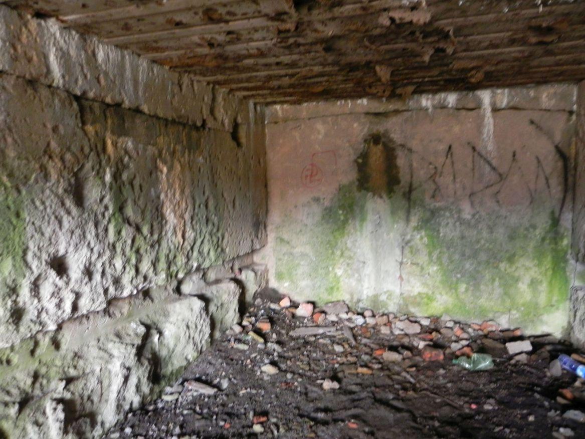 Inowłódz Koś - bunkier Garaż-6 (8)