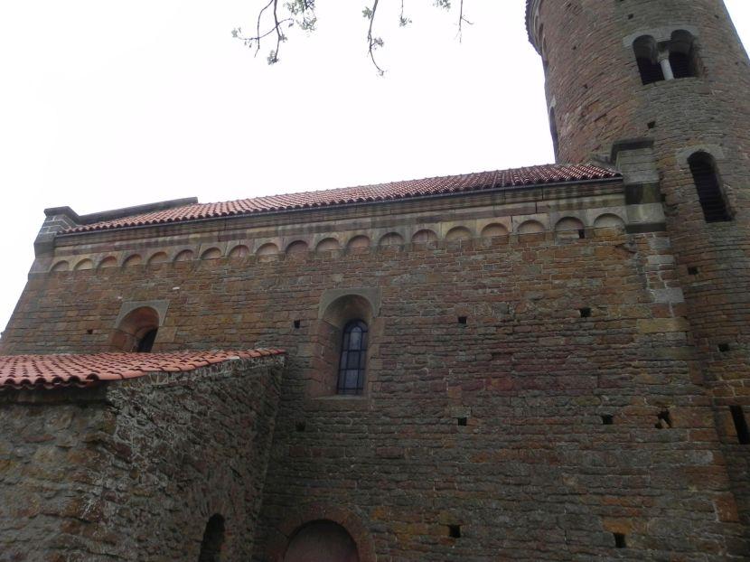 Inowłódz - zmiany na wzgórzu wokół kościoła (2)