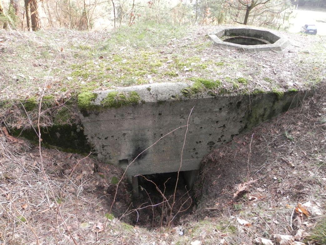 Inowłódz Wzg - bunkier Tobruk-2 (12)