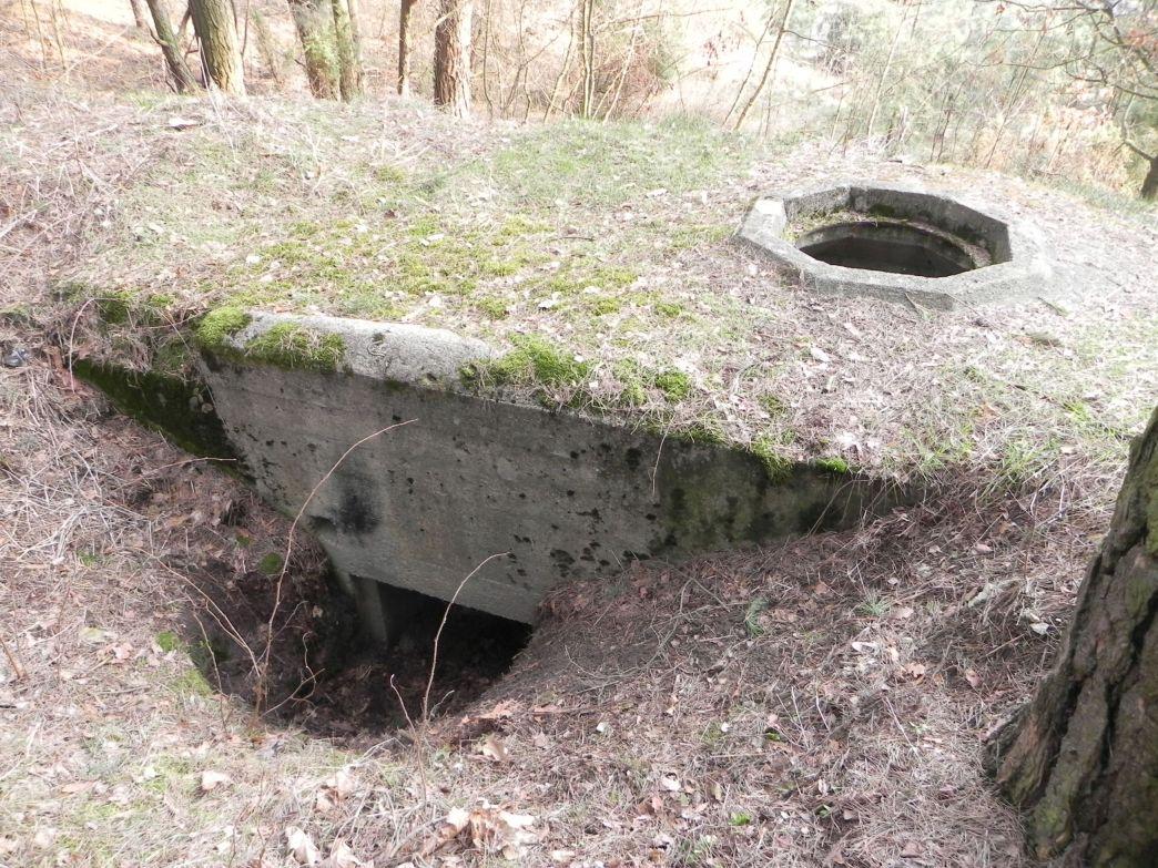 Inowłódz Wzg - bunkier Tobruk-2 (15)