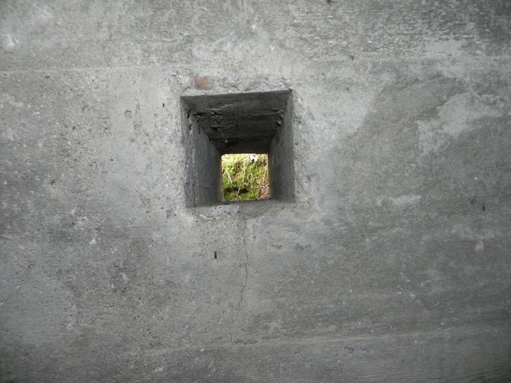 Inowłódz Wzg - bunkier Tobruk-2 (3)