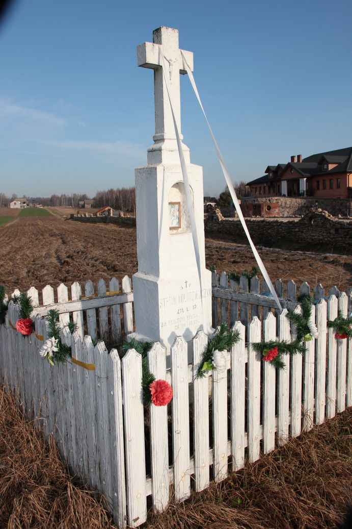 2020-02-09 Idzikowice kapliczka nr2 (10)