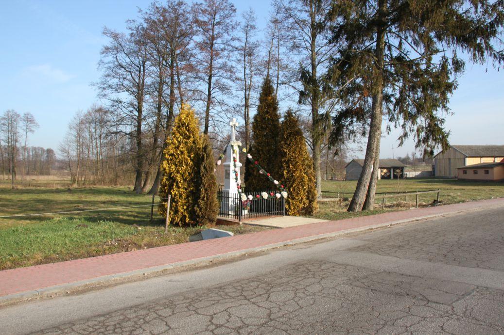 2020-02-09 Kolonia Libiszów kapliczka nr2 (1)