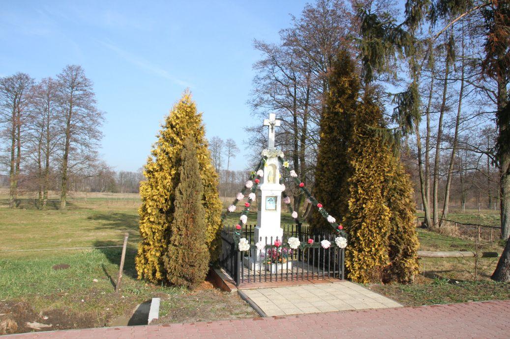 2020-02-09 Kolonia Libiszów kapliczka nr2 (15)